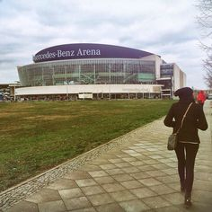 On my way to an ice hockey match!  That excited that I keep walking and he stops to take pictures!  #awesomematch #icehockey #berlin #southafrican #saabroad #wanderlust #travel #adventure #memories #winter #cold #germany #mercedesbenzarena #berlincity #instagram #instaberlin #sundayadventures by djemielah