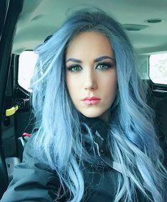 Alissa White-Gluz – Canadian Singer in Arch Enemy - born Montreal Quebec Estilo Heavy Metal, Chica Heavy Metal, Heavy Metal Girl, Heavy Metal Bands, Death Metal, Ladies Of Metal, Alissa White, Looks Pinterest, Women Of Rock