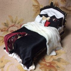 Bed Dressed with Pillows & Drape 1:12 Dollhouse Miniature