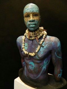 African-American artist Woodrow Nash works includes sinuous lifelike figures inspired by century African styles of dress & adornment. He is based in Akron, Ohio, USA. African American Art, American Artists, African Art, Arte Peculiar, Arte Fashion, African Sculptures, African Tribes, Paperclay, Human Art