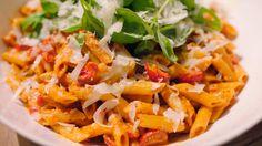 Eén - Dagelijkse kost - Romige pasta met ricotta, zure room, paprika en zongedroogde tomaten