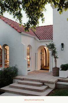 Spanish Home Decor, Spanish Colonial Homes, Spanish Bungalow, Colonial Style Homes, Spanish Style Homes, Spanish House Design, Mission Style Homes, Hacienda Style Homes, Mediterranean Style Homes