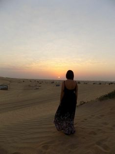 Part one of my Dubai adventures with the girls. Read all about where we stayed, our Arabian Safari, Beach Clubbing and our first ladies night in the City whilst visitng our friend. Beach Club, Wonderful Places, Dubai, Safari, Places To Visit, Bee, Wanderlust, Around The Worlds, Adventure