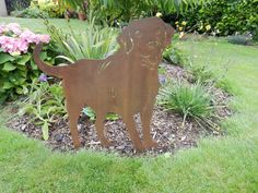 Rusty Labrador / Rusty Metal Garden Art / Labrador gift / Dog Silhouette / dog garden art / Dog Lover Gift / Labrador Retriever / Lab Dog by RustyRoosterMetalArt on Etsy / Buy from Etsy of www.rustyrooster.co.uk