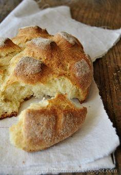 1. Pane..  il pane è un alimento che mi piace molto mangiare.