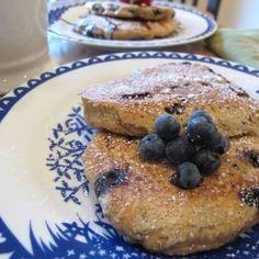 Healthy blueberry bran pancakes - no oil, no butter and 116 calories a pancake.