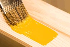 Learn how to paint door and window trim like a professional with the easy to follow instructions and tips in this diy painting and decorating guide.