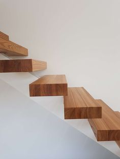 #elm #stairs #massiivipuu #jalava #portaat #sisustus #koti #kodinsisustus #kotisisustus #sisustus Koti, Stairs, Texture, Crafts, Surface Finish, Stairway, Manualidades, Staircases, Handmade Crafts