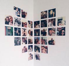 Dica simples de decor photowall de cora o na parede barato f cil de fazer e fica lindo deboralcantara tudoornainspira # Cute Room Ideas, Cute Room Decor, Room Ideas Bedroom, Bedroom Decor, Photowall Ideas, Polaroid Wall, Polaroid Display, Uni Room, Aesthetic Room Decor