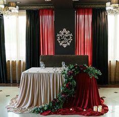 Church Altar Decorations, Wedding Stage Decorations, Backdrop Decorations, Wedding Arrangements, Table Arrangements, Floral Arrangements, Kings Table, Head Table Wedding, Birthday Backdrop