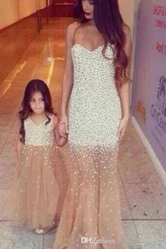 Mother Daughter Matching Dresses 2015 Luxury With Pearls Girls Pageant Dress Champagne Ivory Tulle V-Neck Girl Gowns babybride D1969