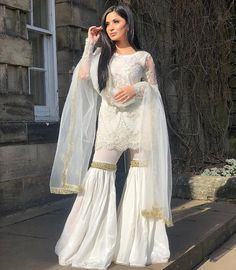 Nikkah ready🕊 Source by dresses muslim Pakistani Fashion Party Wear, Pakistani Wedding Outfits, Pakistani Bridal Dresses, Pakistani Dress Design, Indian Fashion, Dress Indian Style, Indian Dresses, Indian Outfits, Desi Wedding Dresses