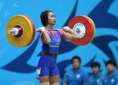 Beyond the Bar Path: Reinforcing Movement Patterns in Weightlifting   Breaking Muscle