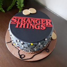 Stranger Things Pins, Stranger Things Halloween, 14th Birthday Cakes, Bithday Cake, Bolo Halloween, Its My Bday, Party Treats, Cakes And More, Themed Cakes