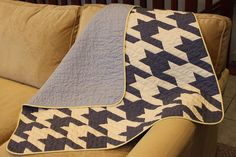Houndstooth Baby Quilt by Elizabeth Ancell, http://www.flickr.com/photos/elizabethancell/