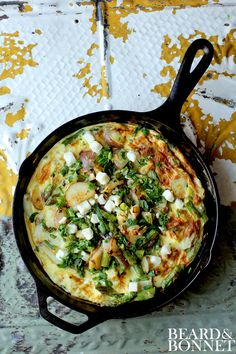 Frittata's are a family favorite around our house! At least once a week I make a frittata for my family. I love the fact that I can substitute almost any combination of herbs, vegetables, and… Egg Recipes, Brunch Recipes, Breakfast Recipes, Cooking Recipes, Healthy Recipes, Skillet Recipes, Retro Recipes, Healthy Breakfasts, Cooking Ideas
