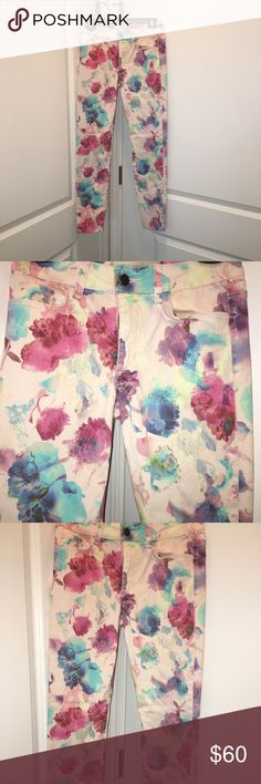 Joe's Jeans Floral skinny ankle 26 Never worn.  Size 26. Joe's Jeans Pants Ankle & Cropped