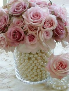 Pink Roses and pearl centre piece. Beautiful!