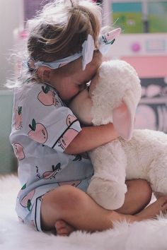 Kids 3 Piece Pajama Set 4 styles et pieces pyjama st So Cute Baby, Baby Kind, Cute Kids, Cute Babies, Baby Girl Fashion, Fashion Kids, Fashion Dolls, Fall Fashion, Fashion Trends