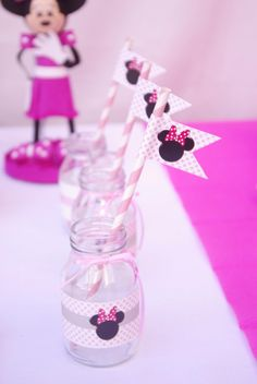 Disney Minnie Mouse Girl Pink Birthday Party Planning Ideas Milk and Cookies Hello Kitty Birthday, Minnie Birthday, 2nd Birthday Parties, Pink Birthday, Birthday Ideas, Minie Mouse Party, Mickey Mouse Clubhouse Party, Minnie Mouse Pink, Mickey Minnie Mouse