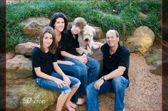 Seven Tips for Better Family Holiday Portraits #family #pictures #holiday