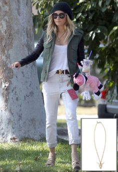 Ashley Tisdale wearing Louis Vuitton Monogram Vernice Key and Change Holder, Urban Outfitters Slouchy Ribbed Beanie, Chanel Steve Madden Wesscot Platform Booties, Louis Vuitton Lv Initials Monogram Belt and Vanessa Mooney Longhorn Necklace. Uniqlo Outfit, Ashley Tisdale, I Love Fashion, Star Fashion, Womens Fashion, Winter Fashion, Celebrity Outfits, Celebrity Look, Casual Chic