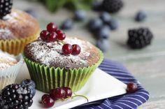 Фотография Fresh red currant muffin автор Tanja Riedel на 500px