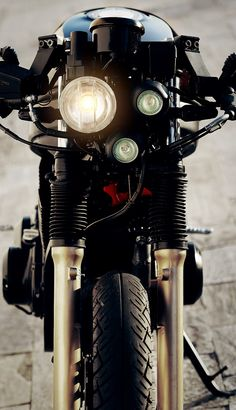 Trendy Motorcycle Parts Accessories Cafe Racers Ideas Blitz Motorcycles, Vintage Motorcycles, Custom Motorcycles, Custom Bikes, Custom Bobber, Moto Cafe, Cafe Racer Bikes, Cafe Racers, Motorcycle Parts And Accessories