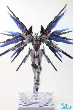 GUNDAM GUY: METAL BUILD Strike Freedom Gundam - Review Images Gundam Toys, Gundam Art, Gundam Tutorial, Strike Gundam, Gundam Astray, Gundam Wallpapers, Gundam Mobile Suit, Gundam Seed, Lego Mecha