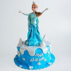 Printesa Elsa pe tort | Cofetarie Online