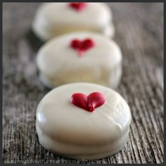 "White Chocolate Covered Ritz Cracker Peanut Butter ""Sandwiches"" for Valentine's Day"