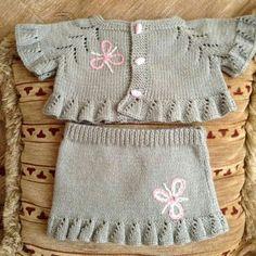 "diy_crafts- HUZUR SOKAĞI (Yaşamaya Değer Hobiler) ""Ravelry: Project Gallery for Blossom Bolero (baby & toddler sizes) pattern by StitchyMama"", Knitting Wool, Knitting For Kids, Easy Knitting, Baby Knitting Patterns, Baby Patterns, Knit Baby Dress, Knitted Baby Cardigan, Cardigan Bebe, Baby Set"