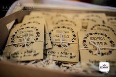 Set  personalizado de lagrimas de felicidad para boda #Escarabat…
