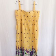 Yellow Summer Dress Sizing is a little difficult, the tag says it's a small. However I am a large & its way too big for me! So maybe it's a small in plus sizing. It's in Perfect Condition! Dresses Maxi