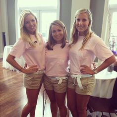 Loving these Alpha Chi Omega recruitment outfits!  The bow is perfect!