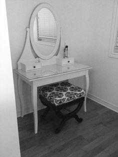 Make-up vanity, so cute for room