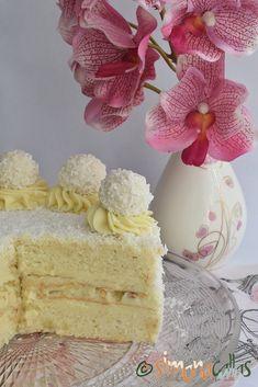 Tort Raffaello cu migdale ciocolata si cocos Vanilla Cake, Food And Drink, Sweets, Candy, Baking, Desserts, Workshop, Deserts, Fine Dining