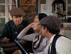 Bonnie and Clyde_Michael J Pollard, Faye Dunaway black beret, Warren Beatty_cap-1