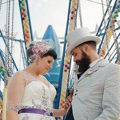 S+G // Abruzzo / Luglio 2015  #wedding #weddigday #circo #circus #rock #rockabilly #violet #flowers #light #weddingcircus #stillframe #abruzzo #italy #love #picoftheday #followme #2become1video  www.2become1.it