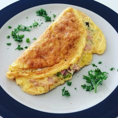 Omelette stuffed with ham and veggies. Healthy and nutritive.