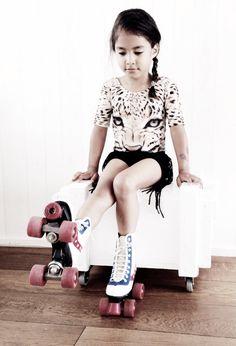Rollerskate girl ~ popupshop ~ petitbo