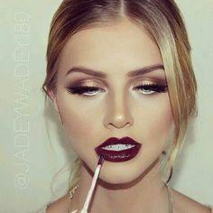 Gold eyes & dark lips