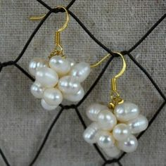 Learn how to make these elegant pearl cluster earrings