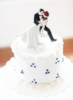 Romantic Cake Topper for a Beach Wedding- Rob Chan Photography http://www.cateringconnect.com/