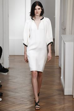 Martin Grant Spring 2016 Ready-to-Wear Fashion Show Spring Summer 2016, Spring Summer Fashion, Spring Outfits, Fabulous Dresses, Beautiful Outfits, Love Fashion, Fashion Show, Paris Fashion, Chemise Dress
