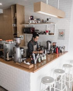 Home Decoration Application Cafe Menu Design, Cafe Shop Design, Coffee Bar Design, Coffee Shop Interior Design, Small Coffee Shop, Best Coffee Shop, Burger Bar, Bubble Tea Shop, Cafe Counter