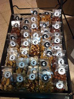 Uudet herkkupähkinät Espoon myymälässä.