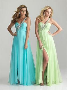 Night Moves Prom 2013: Style: 6706