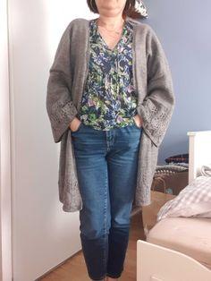 Sweaters, Fashion, Knits, Moda, Fashion Styles, Sweater, Fashion Illustrations, Sweatshirts, Pullover Sweaters