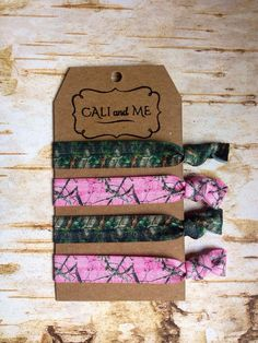 Pink Mossy Oak and Camo Elastic Hair ties, Bracelets. Hair ties. Emi-Jay on Etsy, $5.95